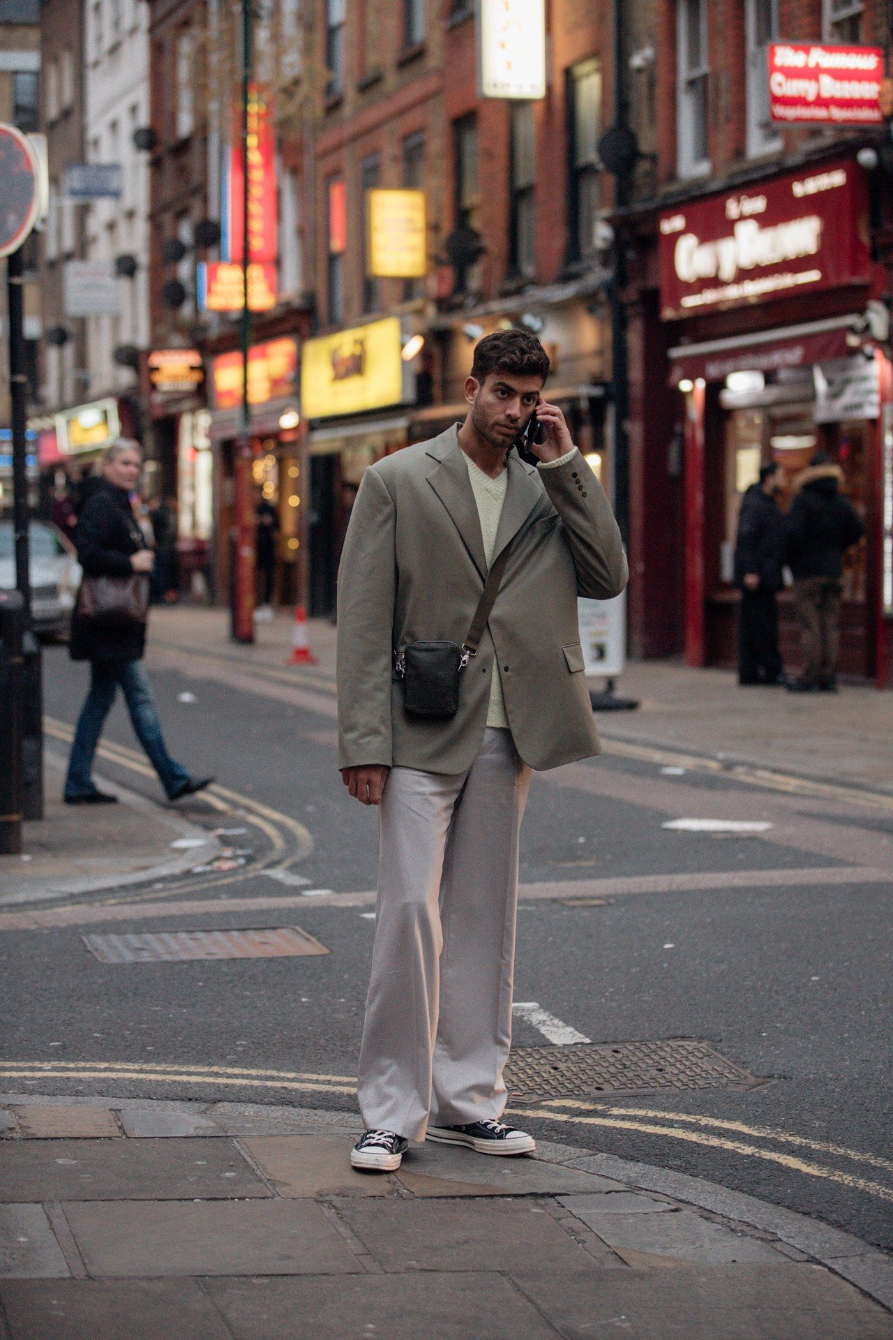 Street style, i look dalla London Fashion Week Men's AI 20 20 ...