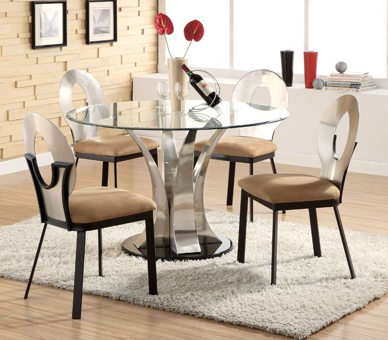 A Luxurious Dinner With Modern Dining Table Sets In 2020 Round Dining Table Modern Glass Dining Table Set Glass Round Dining Table