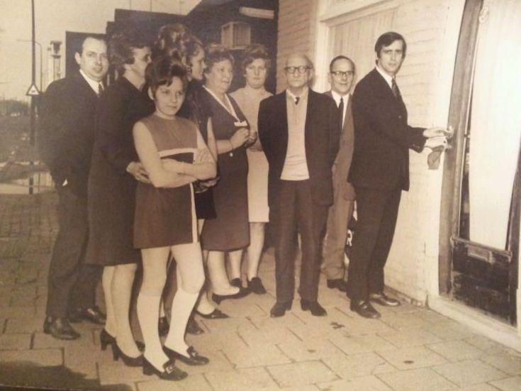 opening cafee aan de Houtse parallelweg 12 helmond ( 60e jaren)