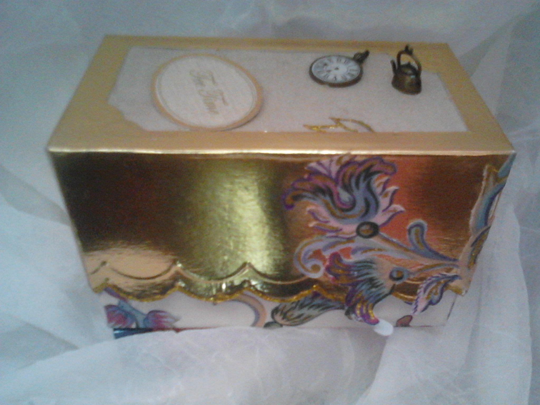 Caixa personalizada para oferta de boão de chá.