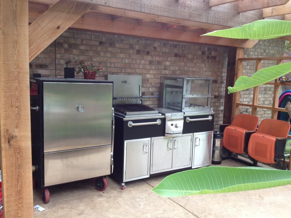 Lone Star Grillz Vertical Insulated Cabinet Smoker For The New