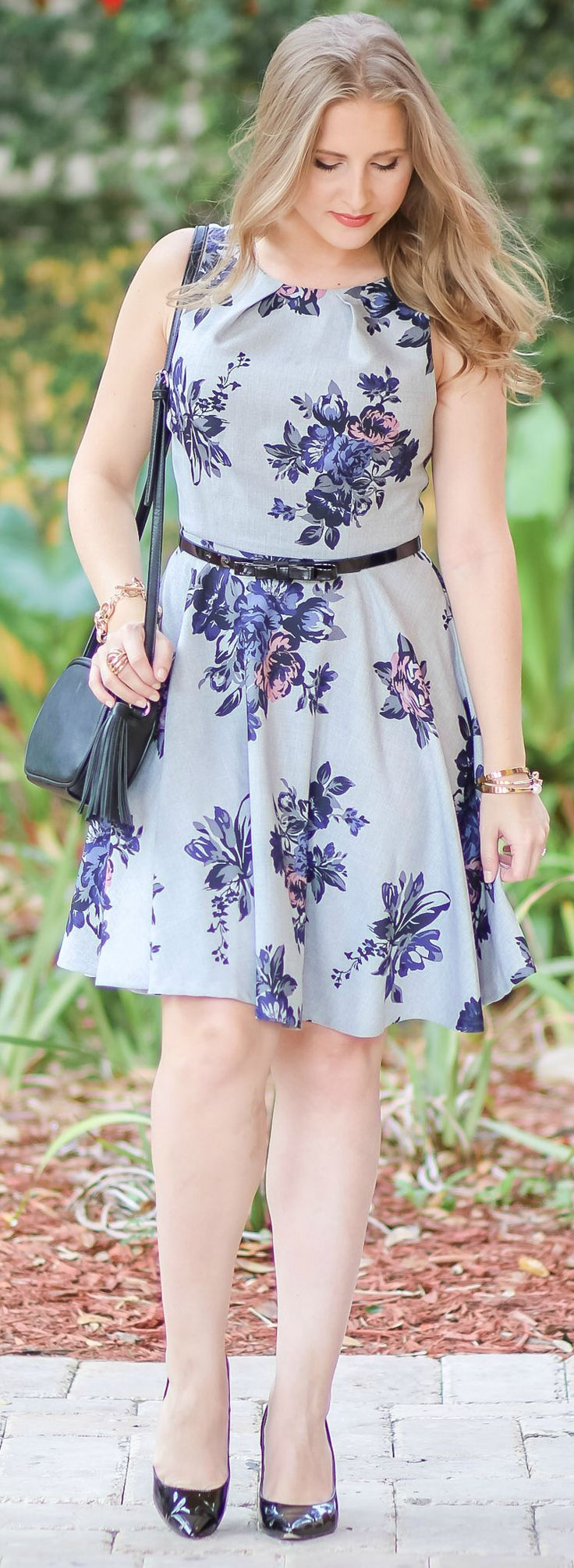 I'm loving this grey floral dress! The classy fitand