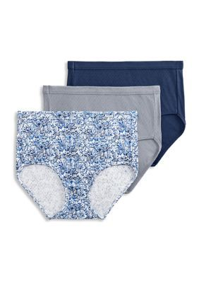 Jockey Elance Breathe 3-Pack Brief - 1542. Pretty knit designs add a fun touch to your basic wardrobe. Crafted for breathability, these briefs will be comfortable parts of your outfit. The cotton feels super soft against your skin, and stays in place.