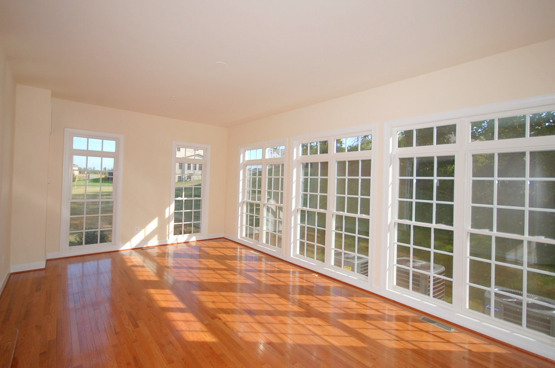 This #sunroom would be perfect as a dance studio!  Sunroom, Home
