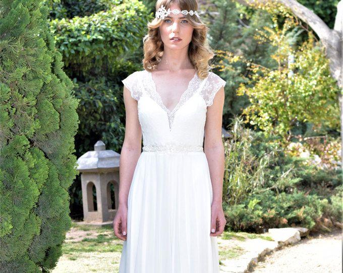 IRIS - romantisches Brautkleid mit Spitzenbund und chiffon Rock ...