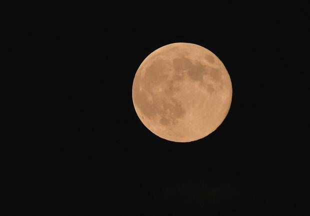 Supermoon: Incredible images captured of the biggest moon of 2014 - The Independent
