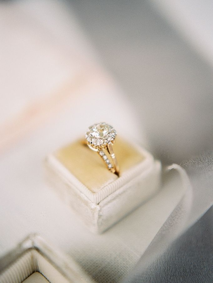 Capri Jewelers Arizona Offers Unique Jewelry Along With No Credit