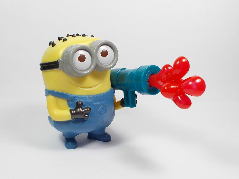 Despicable Me Minion Phil Jelly Whistle Toy Figure Cake