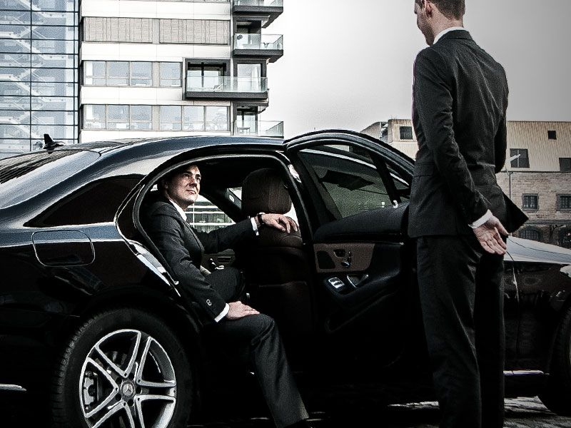 Hire A Boston Car Services For Short Itinerary Airport Car Service Chauffeur Service Black Car Service