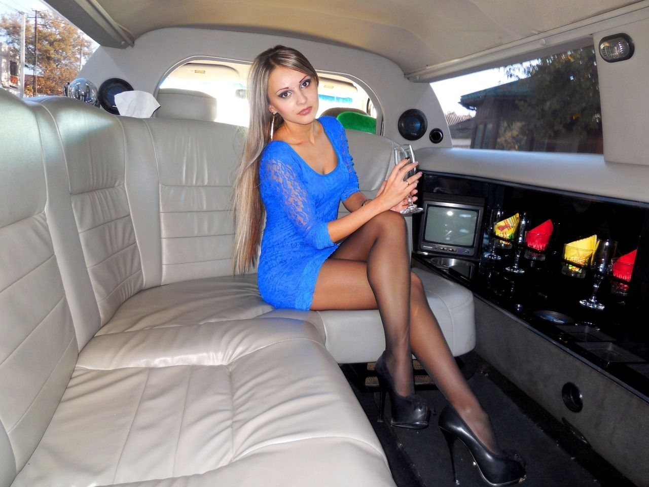 konicaguy: As seen on Legs.BZ website. | my dream life