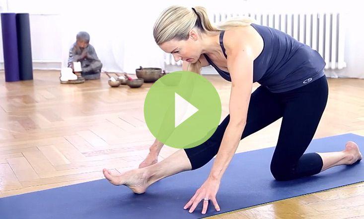 Beginner Yoga Poses For Increasing Flexibility Video Yoga Poses For Beginners Yoga For Beginners Basic Yoga