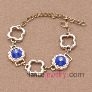 Delicate acrylic bead bracelet