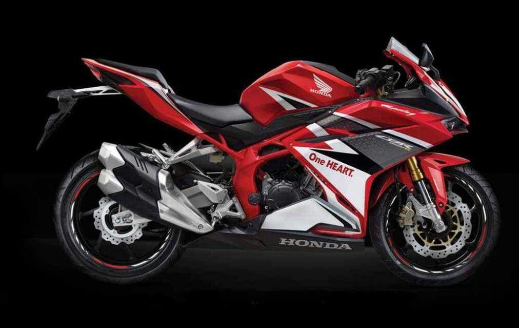 Honda Presenta En Indonesia Su Nueva Cbr250rr Honda Motor Honda Sepeda Motor