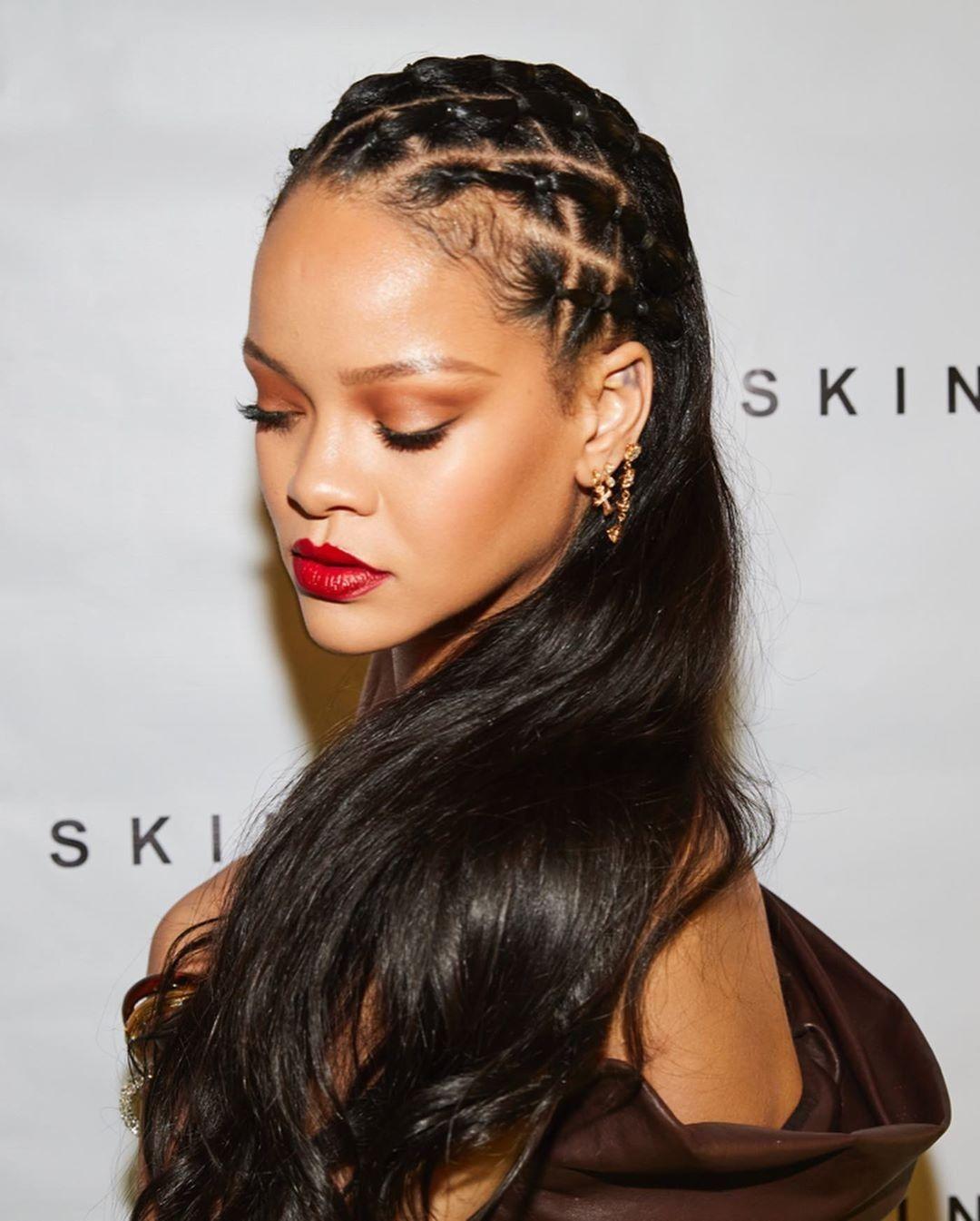 Rihanna In 2020 Rihanna Hairstyles Skin Rihanna Rihanna