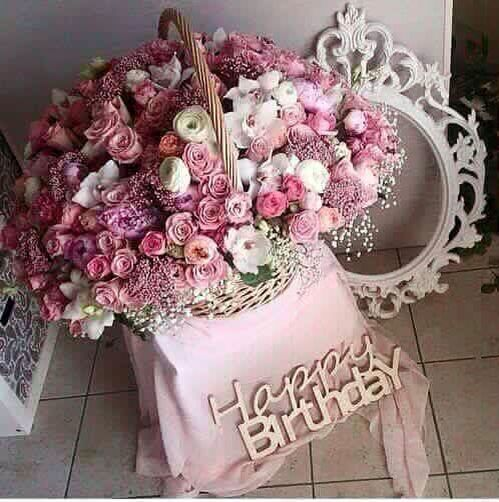 This Huge Bouquet Of Pink Roses Are The Best Birthday Gift For A