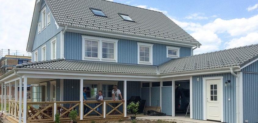 Schwedenhaus mit veranda  CSJONA | Veranda med tak | Pinterest | Holzhäuschen, Schweden und ...