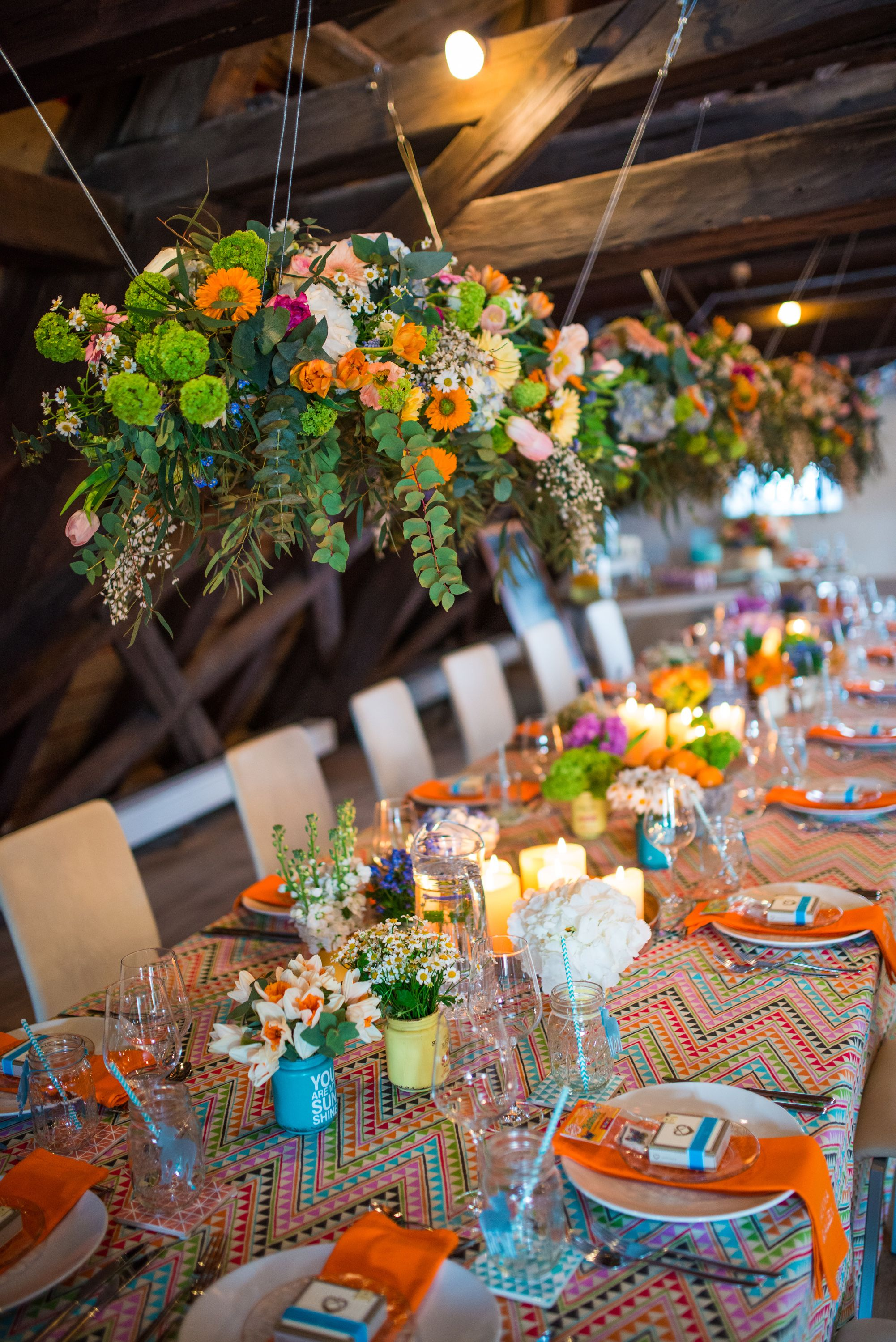 High Quality Real Wedding: Casual Hippie, Table Decoration Multicolored, Floral  Arrangement Hanging Www.
