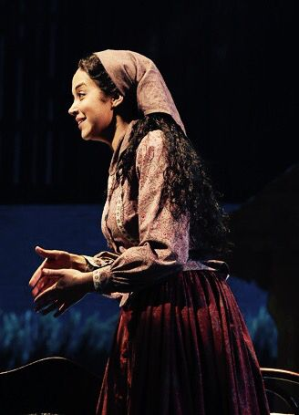 Tzeitel Fiddler On The Roof Fiddler On The Roof Broadway Costumes Singing Tips
