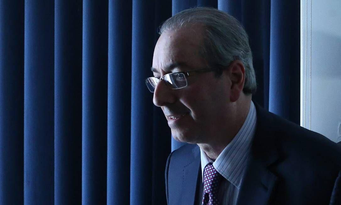 Planalto tenta acordo para 'salvar a pele' de Eduardo Cunha -  Temer salvando Cunha. Cadê as panelas?