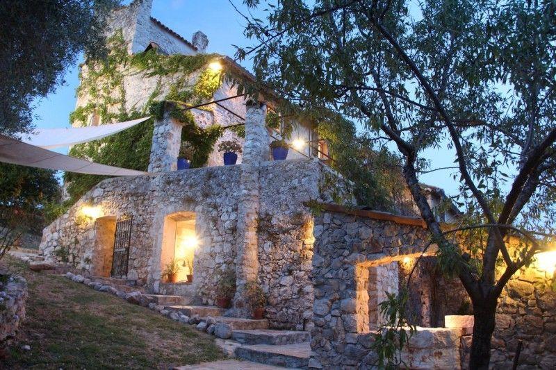 La Parare Maison D Hotes Design Arriere Pays Nicois Contes Maison D Hotes Maison Hotels De Luxe