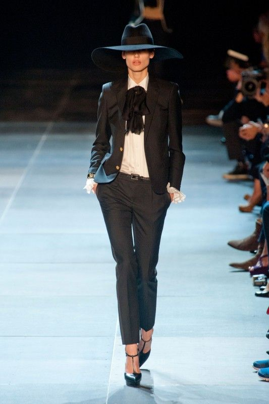 510c43123e9 Yves Saint-Laurent printemps-été 2013 | Outfit Ideas | Saint laurent ...