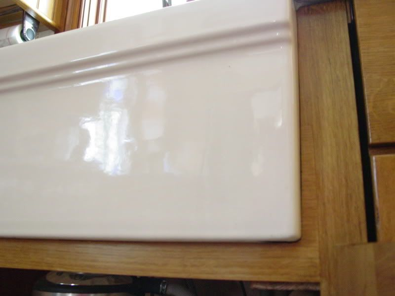 farmhouse sink cabinet base   Scribing around farm sink front base +...caulk? Putty? - Kitchens ...