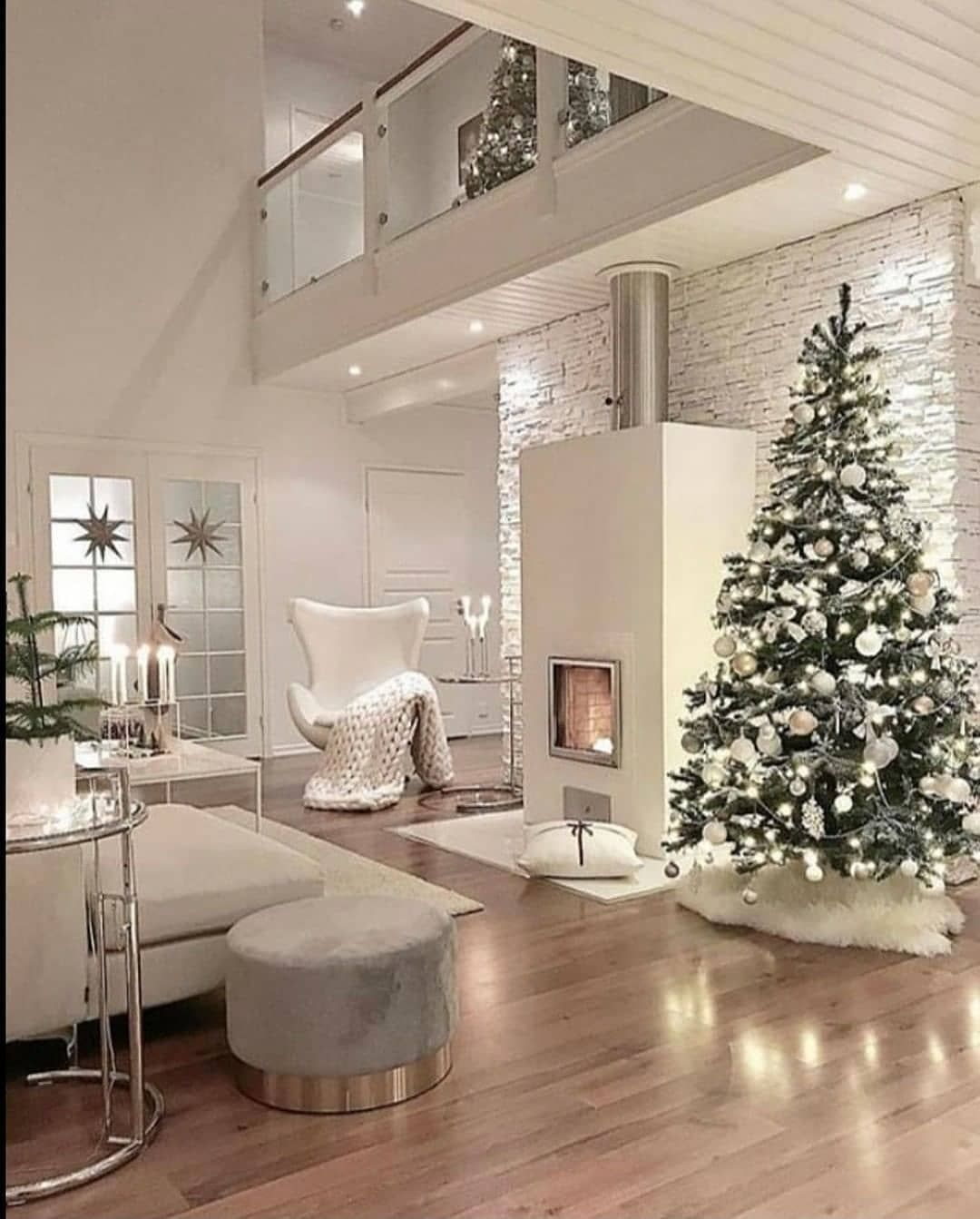 White Christmas  . . . . . . . . #christmasdecor #christmas #christmasdecoration... #christmas #christmas? #christmasdecor #christmasdecorations #christmasdesign #christmasdesigns #christmashome