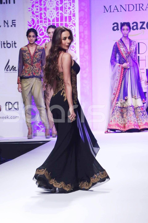 Malaika Arora Khan hot & Sexy Pose in Black dress   sonal   Pinterest