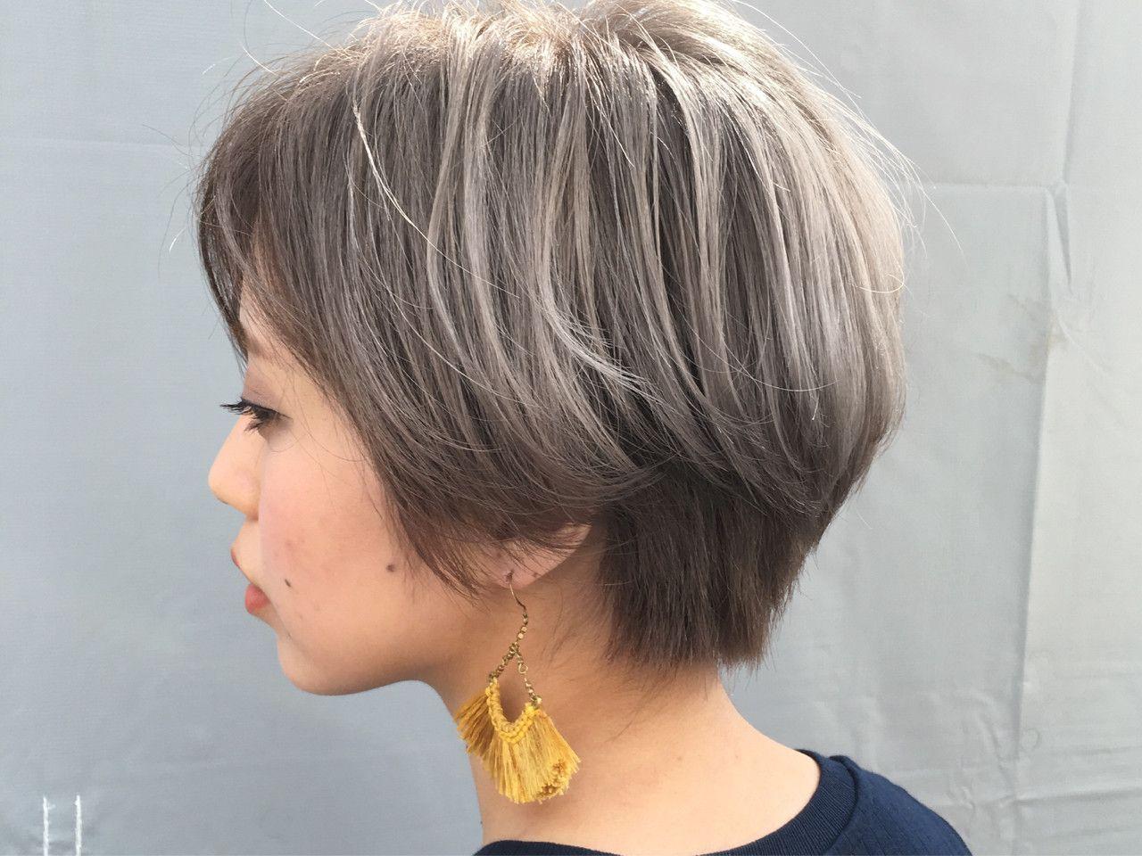 Keisuke Suzukiさんのヘアカタログ ショートヘア グレージュ