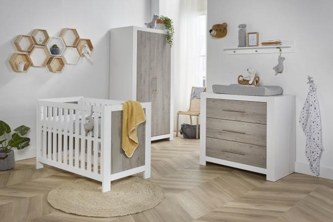 Kinderkamer Baby Dump.Ledikant 60 X 120 Commode Hanglegkast Stockholm