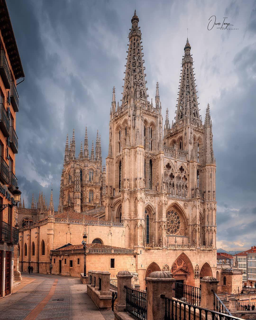 Burgos Cathedral Spain By Olmg2010 Lugares De Espana Catedral Gotica Catedral