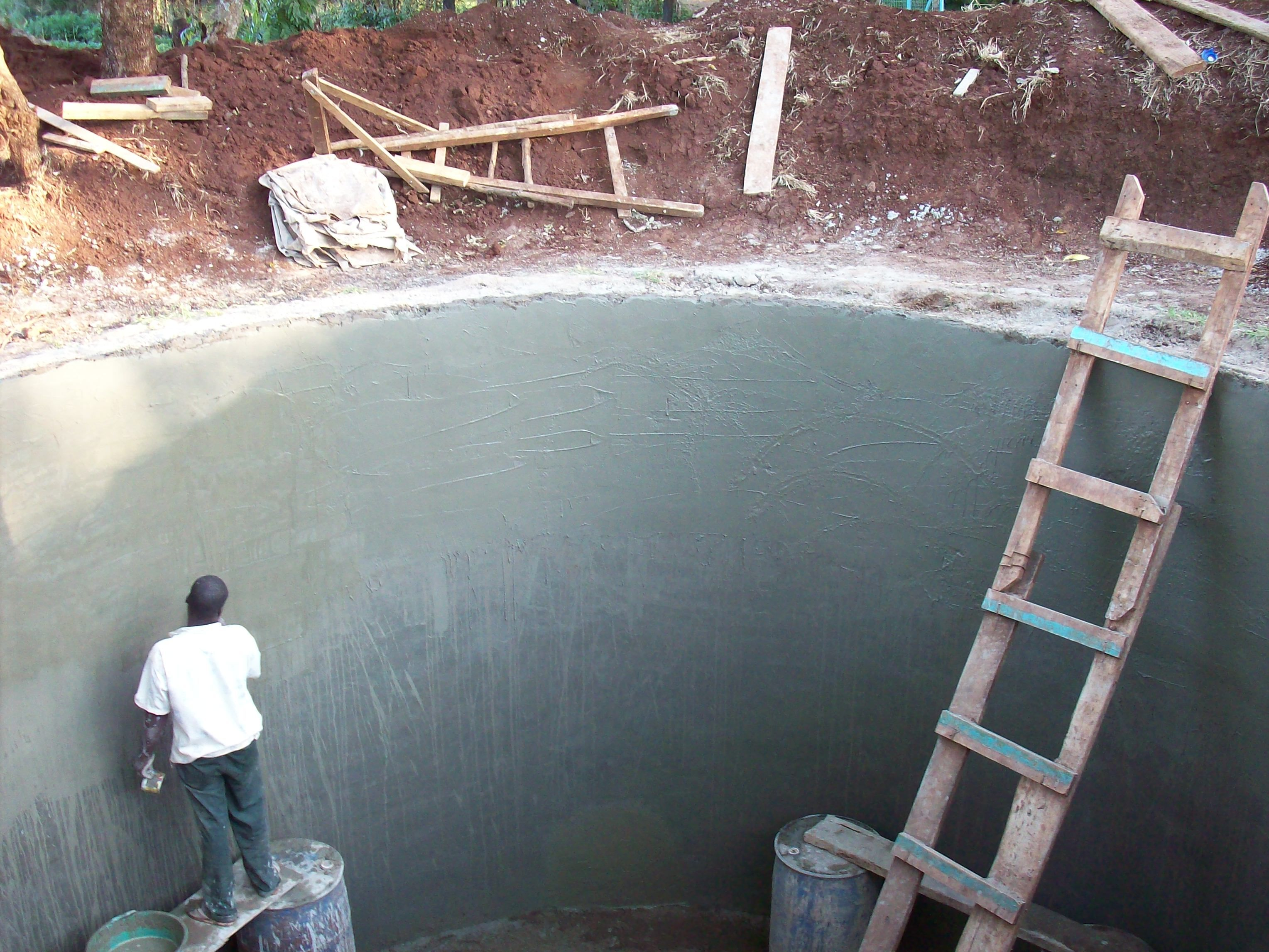 Underground Water Tank Construction : Plastering the walls for safety underground water tank