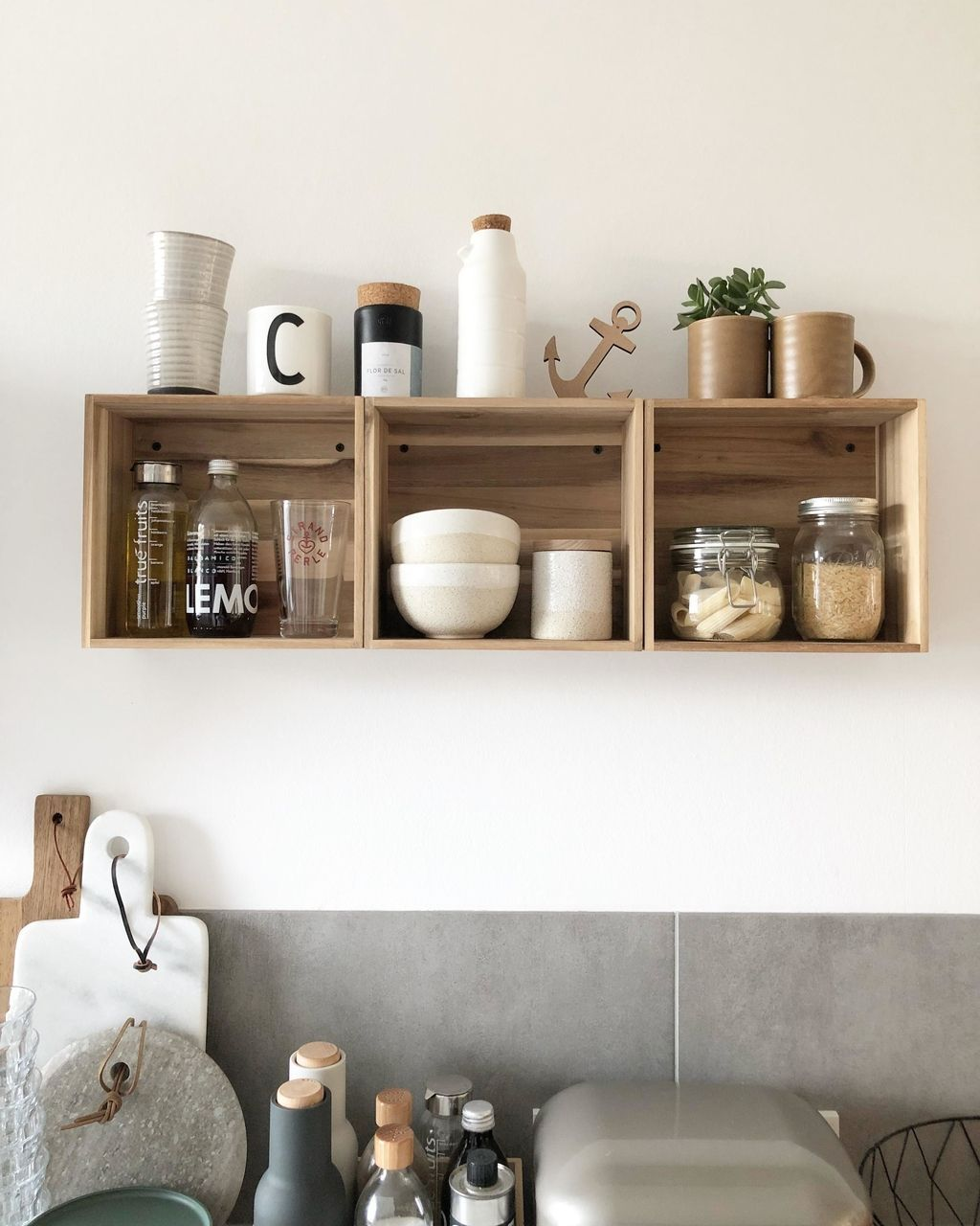 Diy Küchenregal Kchenregalliebe #küchenregal #einzelstcken #kitcheninspo #kistenregal #ikeahacks #wandregal #interior #ikeah… | Popular Kitchen Designs, Ikea Hack, Kitchen Shelves