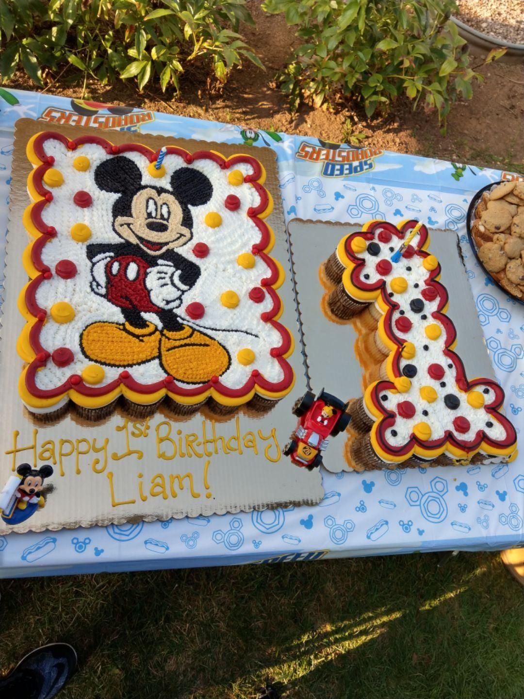 Wondrous Mickey Mouse Pull Apart Cupcake Cake For Liams First Birthday Birthday Cards Printable Riciscafe Filternl