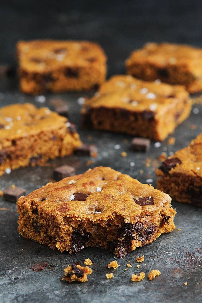 Brown Butter Pumpkin Chocolate Chunk Bars With Sea Salt Are The Perfect Dessert For Fall! The Brown Butter Makes These Easy Pumpkin Bars Extra Special!