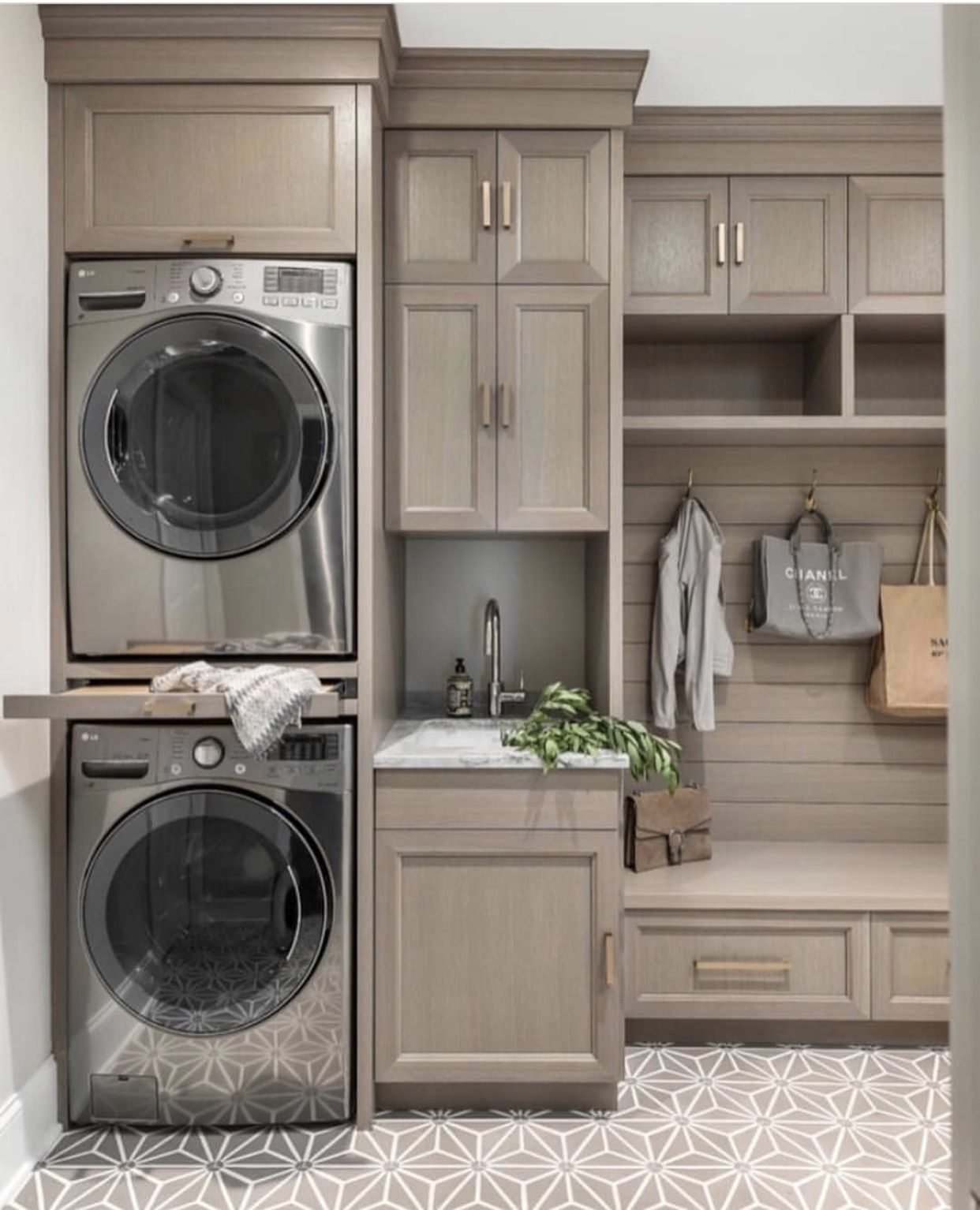 Pin By Alda Silveira On Laundry Rooms Laundry Room Layouts