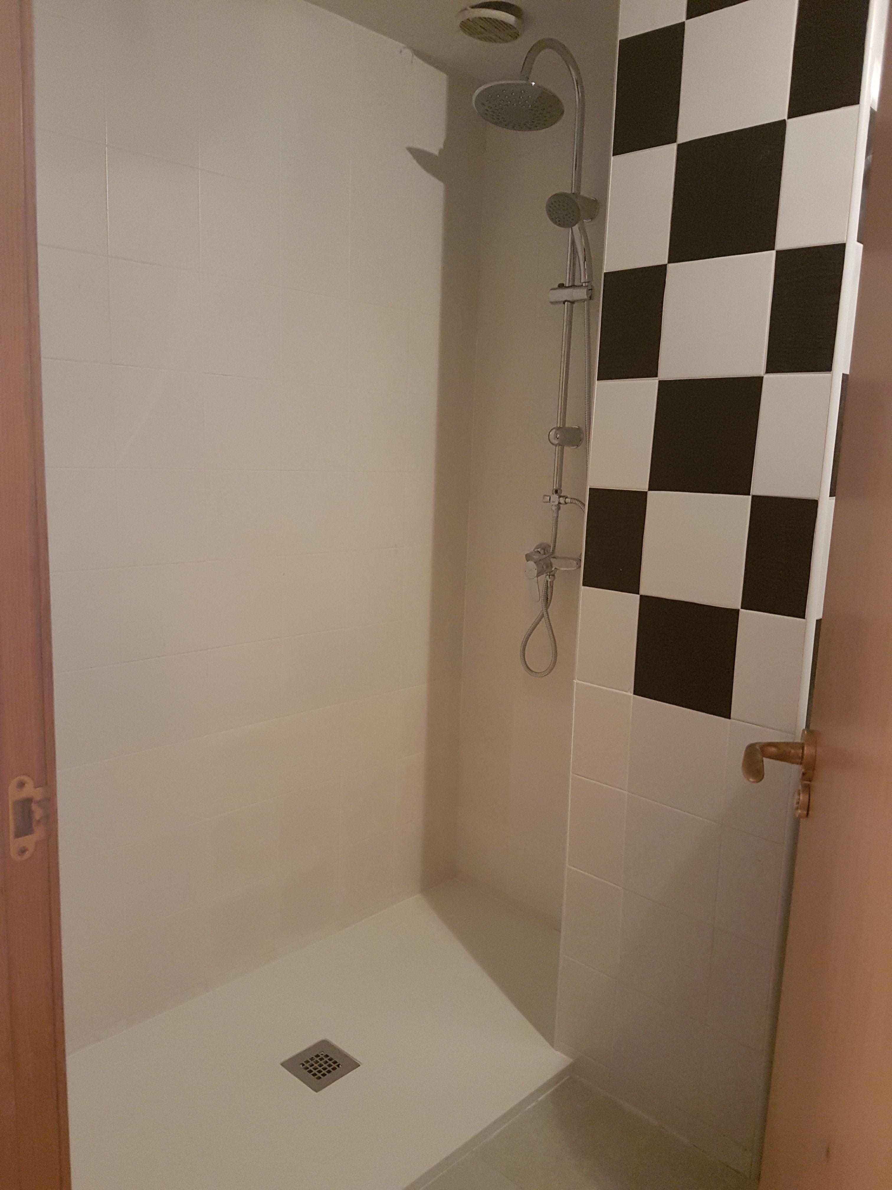 reforma de baño, cambio de bañera por plato de ducha ...