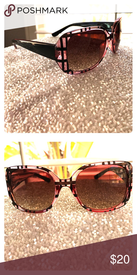 PINK & BLACK SUNNIES IN PLAID Pink & Black Plaid frames