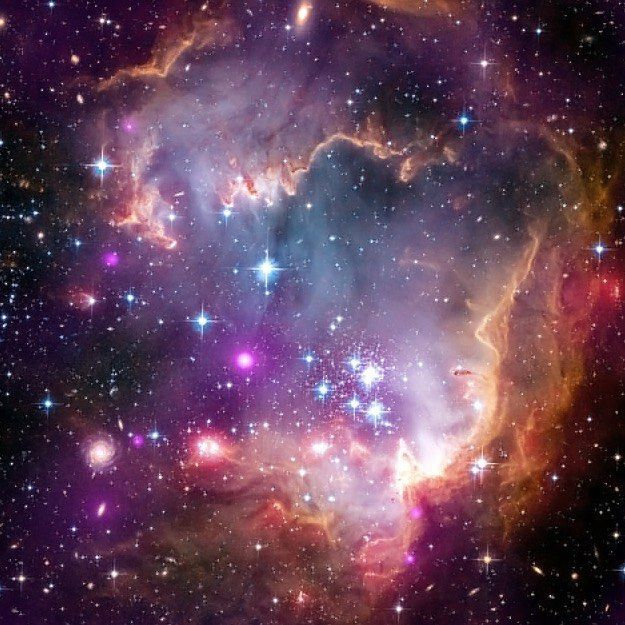 106 отметок «Нравится», 2 комментариев — Just Your Average Kerbal (@maxwell_kerman) в Instagram: «The Small Magellanic Cloud, a dwarf galaxy near to our Milky Way. In this photo it looks just like…»