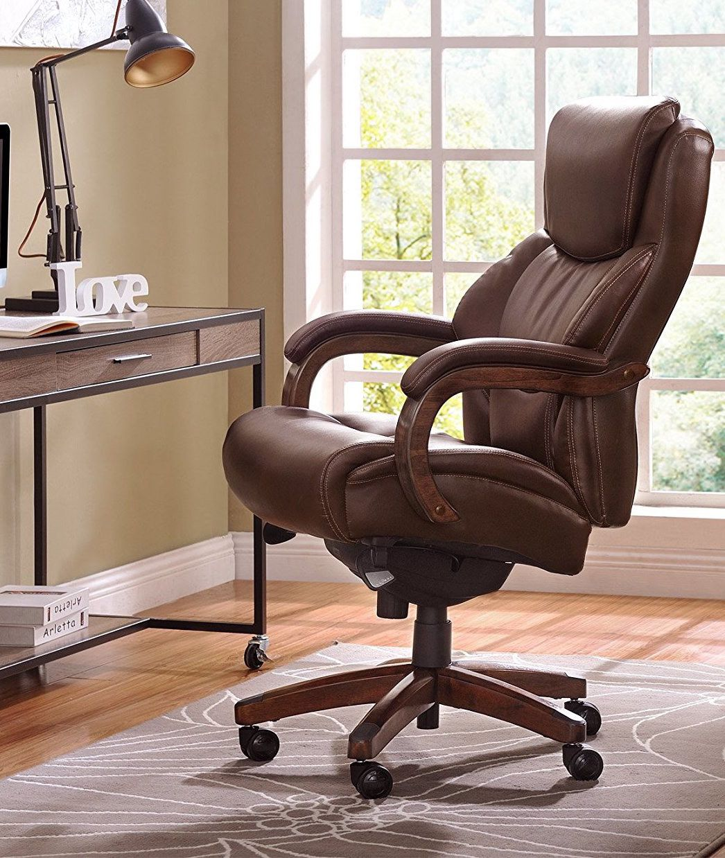 A LaZBoy chair that'll make you want to kick your feet