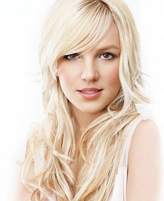 Long Wavy Hairstyles With Side Bangs For Blonde Platinum Jpg 572 701 Side Bangs Hairstyles Platinum Blonde Hair Long Wavy Hair
