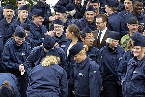 Crown Princess Victoria visits the Armed Forces experience camp for young people with special needs. Photo: Carolina Lorentzson Nilsson / Armed Forces