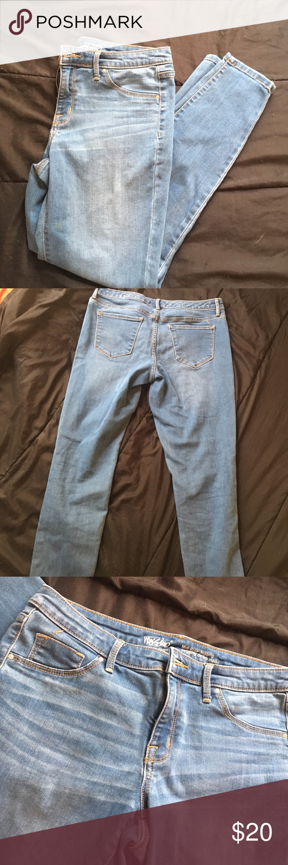 Mossimo mid-rise jegging/jeans A slight green stain on the left leg a little above the knee Mossimo Supply Co. Jeans Skinny