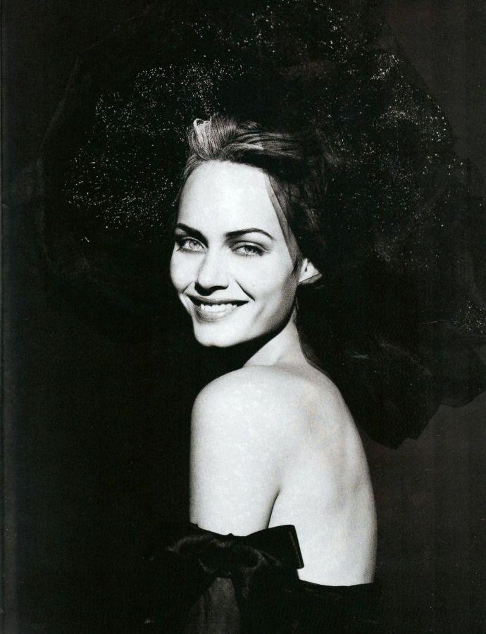 Harper's Bazaar - Paris Couture - Amber Valletta by Peter Lindbergh - Apr 1994