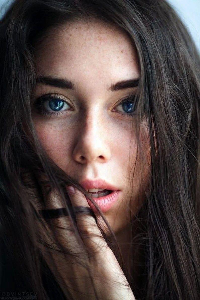 Pin By Prahlad Mevawala On Beautiful Women Around The World Most Beautiful Eyes Beautiful Eyes Dark Hair Blue Eyes