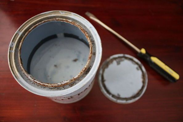 Does Paint Go Bad >> How To Fix To Save Paint Gone Bad How To Wallpapering Tips