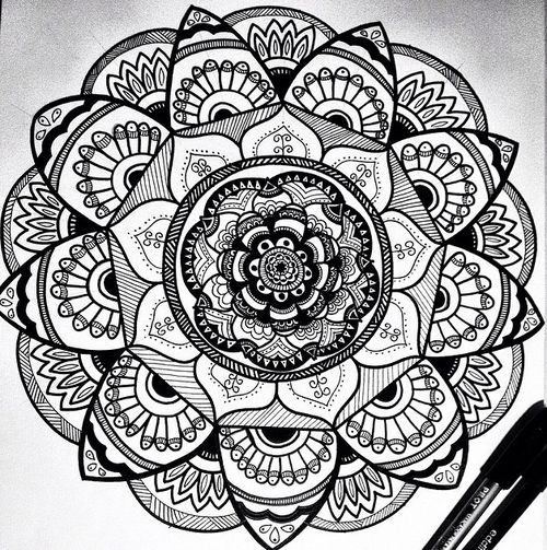 My new mandala sur We Heart It. | ideas | Mandalas design ...