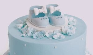 Video Tutorials, Cakes, Cookies, Cupcakes, Candy, Chocolate, Desserts, Flowers, Piping, Buttercream, Fondant #cakedecoratingvideos