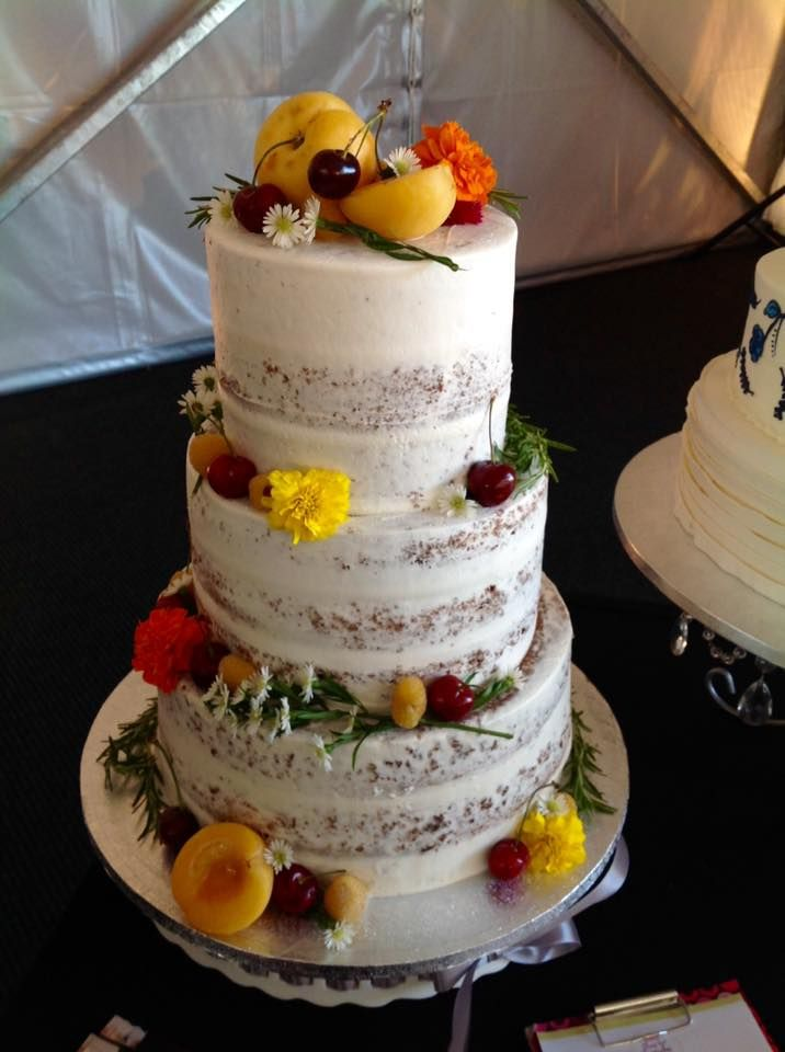 wedding cake icings wedding cake white buttercream frosting with layers 22883