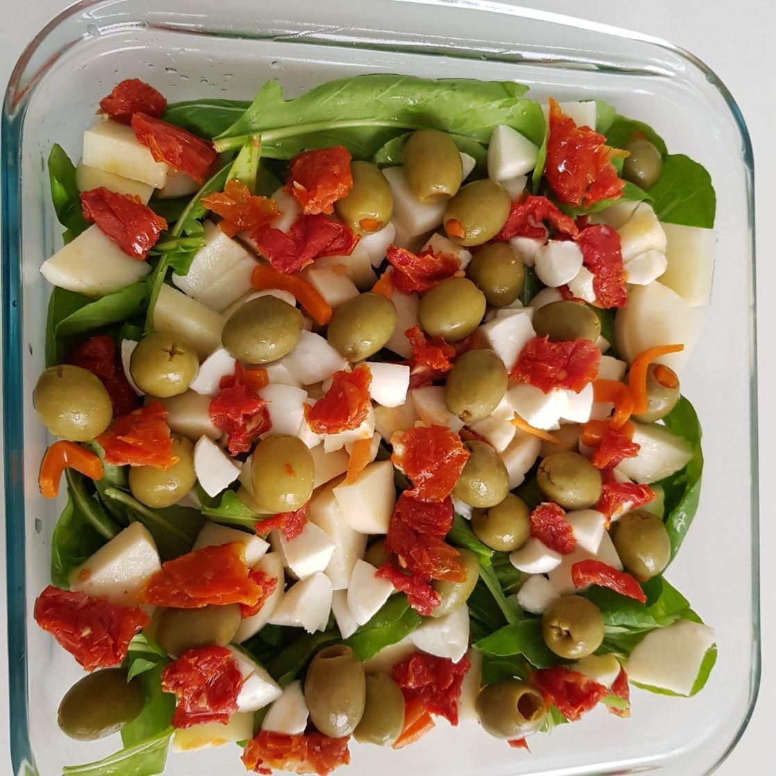 Salada De Rucula Com Palmito E Azeitonas Receita Com Imagens